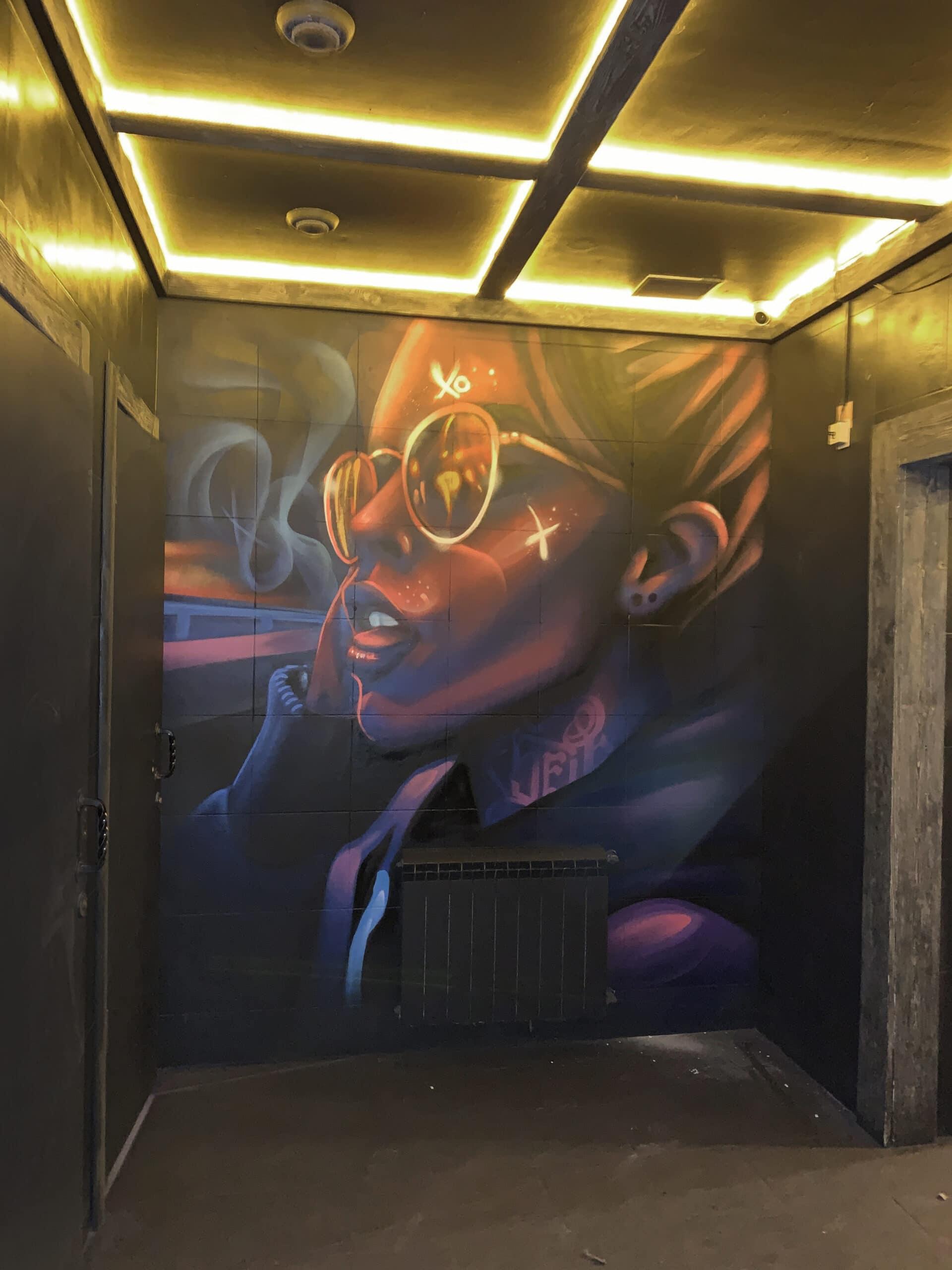 Muralmarket | Аэрография в клубе Saxon