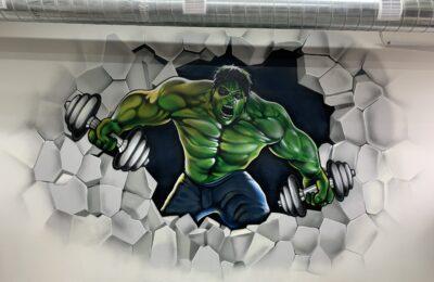 Muralmarket | Аэрография в спортзале Hulk 1